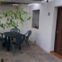 Casa en Bolonia muy cerca de la playa, hotel in Bolonia