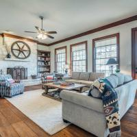 Beautiful Hill Country Ranch Home - 4 Mi to Town!, hotel in Boerne