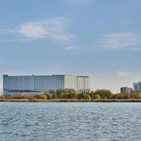 Crowne Plaza Tianjin Binhai, an IHG Hotel, hotel near Tianjin Binhai International Airport - TSN, Tianjin