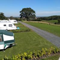 Marbury Camp and Lodge, hotel in Whitchurch