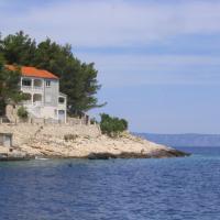 Apartments Gugic, hotel in Prigradica