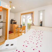 Small double en-suite with stunning views near Lyme Regis - Contactless Check-In