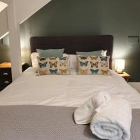 Colchester Villas - Stylish, Central & Spacious Apartment 9cv