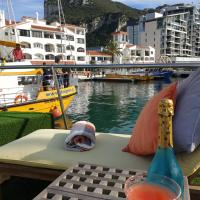 Jasmine Coral Jay Boutique Botel, hotel in Gibraltar