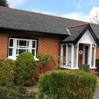 Delightful detached Cottage 5 mins Exeter, Close Dartmoor the coast private parking