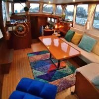 Motor Yacht Almaz