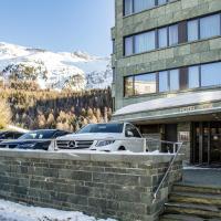 Sport & Wellnesshotel San Gian St. Moritz، فندق في سان موريتز