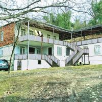 Exponati Guest House, hotel in K'veda Sazano