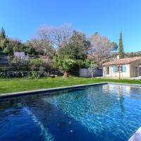 Beautiful villa in a green space located in Biot