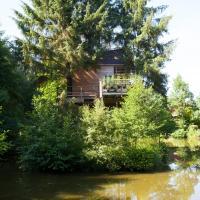 Cabane dans les arbres avec spa Les Cabanes de Koad'dour