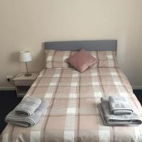 Bright Carmuirs Apartment, hotel in Larbert