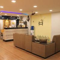 Hotel Adhi Residency - Cleanliness & Friendliness Room VL Vardharaja Temple, hotel in Kanchipuram