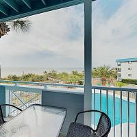 New Listing! Beachside Villa w/ Bay Views & Pool condo