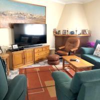 House with 4 bedrooms in Tresjuncos with terrace and WiFi, hotel en Fuentelespino de Haro