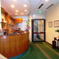 Hotel Select, hotell i Montecchio Emilia