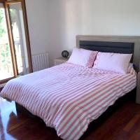 House with 5 bedrooms in Casasola with enclosed garden, hotel in Casasola