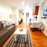 SQUARE Village Suite/free street parking +wifi