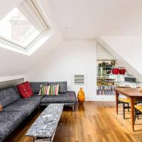 Beautiful 2-Bed W/ Roof Terrace in Holland Park