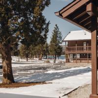 Vintage Lakeside Inn