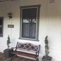 Araluen Historic House Deluxe Room, hotel in Gundagai