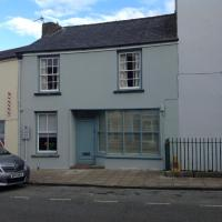 6 Hill Street, Haverfordwest., hotel in Pembrokeshire