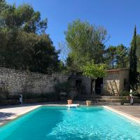 Superbe villa avec piscine à l'orée de la pinède