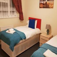 Ravenhill House - Huku Kwetu - Luton - L&D Hospital - London -M1- Airport - Group - Long or Short Stay