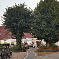 Lindenhof Liepgarten - Pension & Gaststätte, отель в городе Иккермюнде