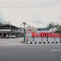 RedDoorz Syariah near Kebun Raya Liwa, hotel in Lampung