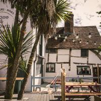 The Rose & Crown, hotel in Godalming