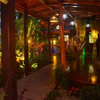 Physis Caribbean Bed & Breakfast, hotel in Puerto Viejo