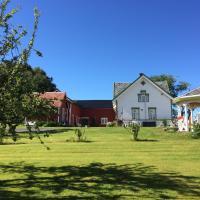 Oldefars gjestehus, hotel in Straumen