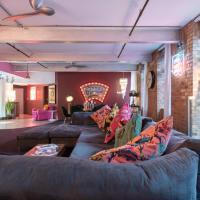 Amazingly Luxurious Loft Apartment, Soho - 3 Bedrooms, 2 Bath & Office