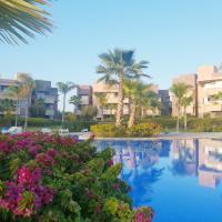 Jad Airport Luxury Apart Golf Pool
