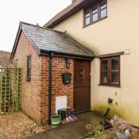 2 Rose Cottages, hotel in Crewkerne
