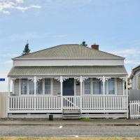 Sun Seeker's Cottage - Napier Holiday Home
