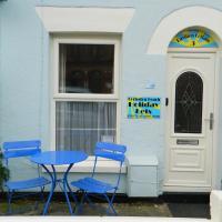 Pavilion Cottage, Gorleston Beach holiday lets, hotel in Gorleston-on-Sea