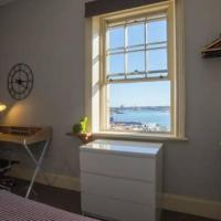 2 Bedroom Harbour View at the Rocks heart of CBD