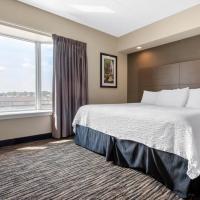 Clarion Hotel & Suites, hotel em Brandon
