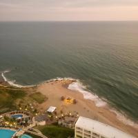 Ocean Club Apartment 401, hotel in Playas