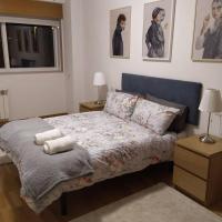PRECIOSO PISO CON VISTAS AL MONTE DO GOZO, hotel in Santiago de Compostela