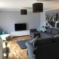 Serviced Apartments East Kilbride Flat Five, hotel in Glasgow