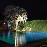 Villa climatisée 4 chambres piscine jardin