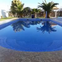 Villa CLIMATISEE avec piscine privée, ras el ma, hôtel à Tazagouin