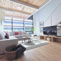 Luxury loft duplex with swimming pool & Spa, hotel a Alcobendas