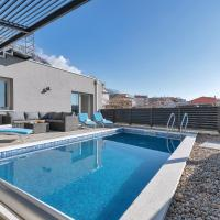 Apartment Lotte with private pool in the city center!