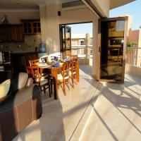 Penthouse 3 bedroom Oceanfront, hotel near Playa de Oro International Airport - ZLO, Cihuatlán