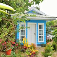 Madeline's Ville A Tiny Homes Enclave, hotel in Alfonso