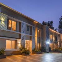 Sorina Hillside New 2 by Vista Rooms