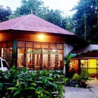 OYO 599 Palawan Village Hotel, hotel in Puerto Princesa